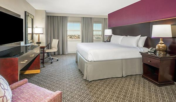 Astor Crowne Plaza   New Orleans French Quarter King Bed With View