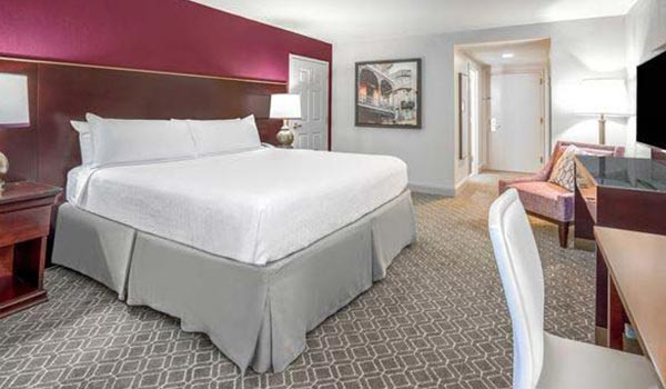 Standard King at Astor Crowne Plaza - New Orleans French Quarter